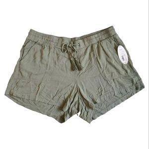 Boutique+ Olive Green Flowy Shorts Plus Size 1X